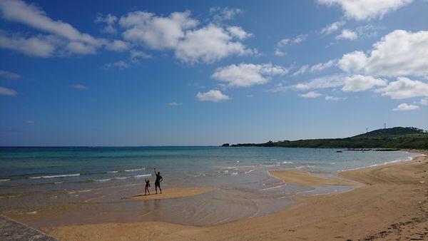 港の周りは、誰もいないが自慢のビーチです。
