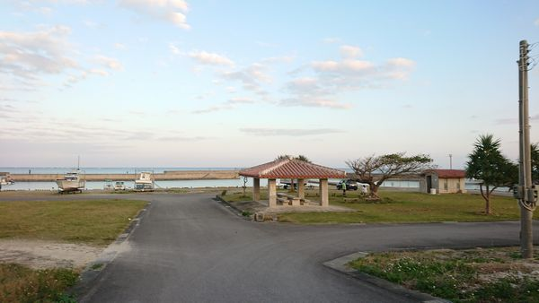 夕暮れの伊野田漁港。一日お疲れ様でした