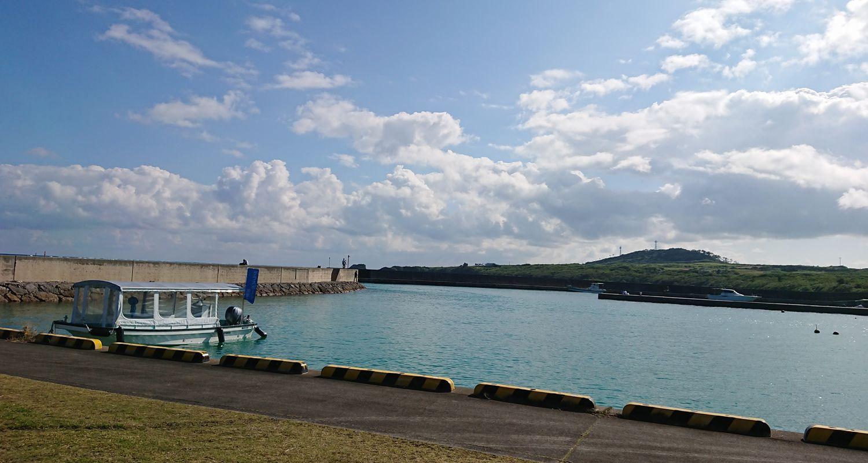 石垣島でグラスボートツアー!一周道路沿い伊野田漁港発『さんご礁の海から』