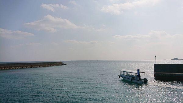 石垣島の海を満喫、グラスボート