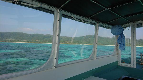 ボートからみる石垣島の海