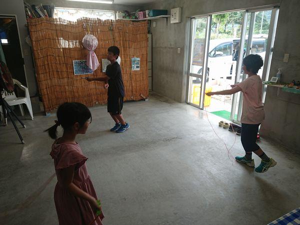 縄跳びの練習