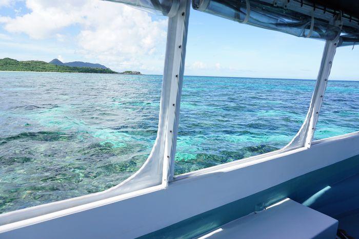 グラスボートから海の風景