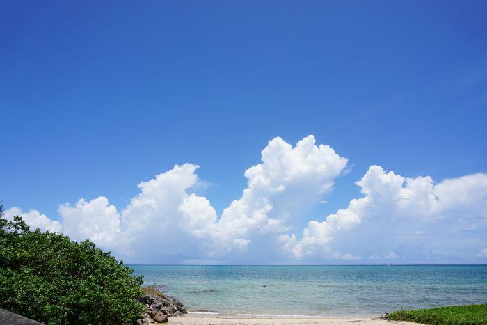 夏雲、スコール、石垣島は夏空です