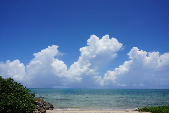 こちら夏、7月8月の石垣島の空