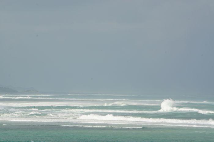 台風接近中の大荒れの海