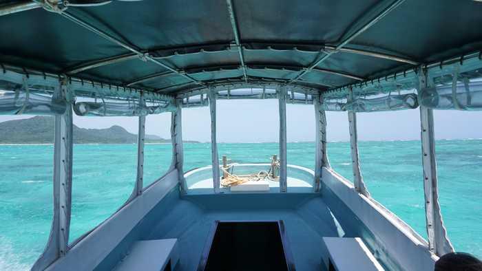 ボートから見える海の風景