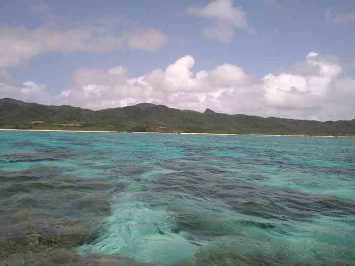 晴れた海から見る石垣島
