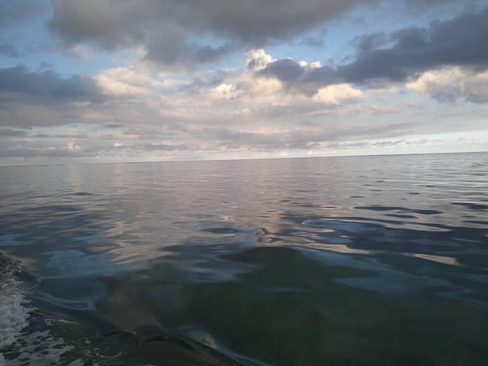 夕方からグラスボート